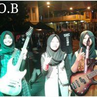 Hijab y Heavy Metal: el grupo femenino adolescente que está escandalizando a Indonesia