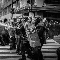 La violencia policial letal aumenta el riesgo de parto prematuro en las madres que viven en las proximidades del vecindario