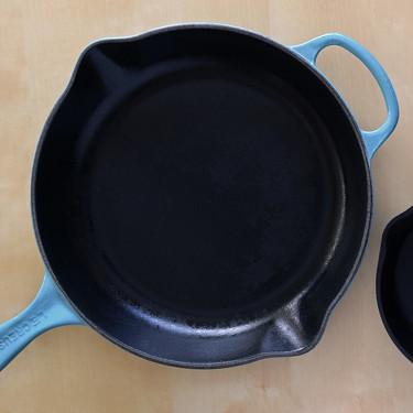 Sartenes de hierro fundido: guía básica para cuidarlas (y errores frecuentes a evitar con ellas)