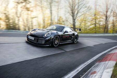 ¡Tiempazo! El Porsche 911 GT2 RS marca un 6:43.300 en Nürburgring y destrona al Mercedes-AMG GT Black Series