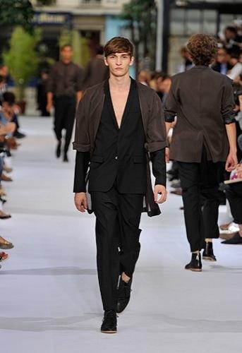 Dior Homme, Primavera-Verano 2010 en la Semana de la Moda de París III