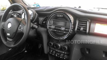 Cambio radical en el interior del nuevo MINI F56