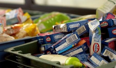 Los españoles ya compran menos comida por el efecto crisis
