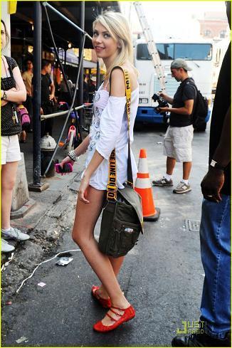 Taylor Momsen también se apunta al vestido camiseta