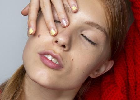 El esmalte descascarillado y agrietado podría ser la nueva tendencia beauty en manicura