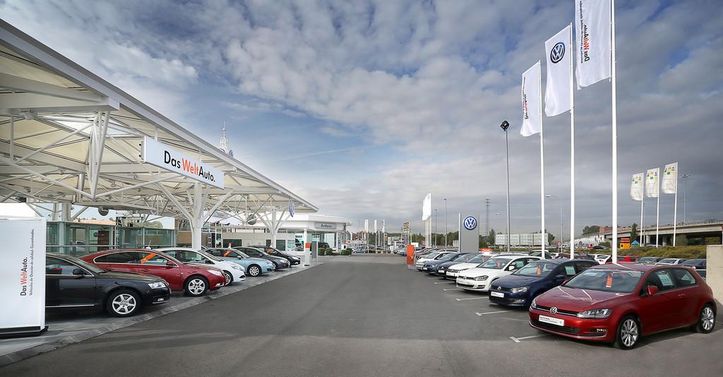 Coches de kilómetro cero: cuando comprar un coche barato tiene truco