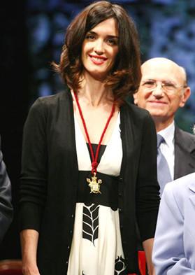 Paz Vega recibió la medalla de Sevilla