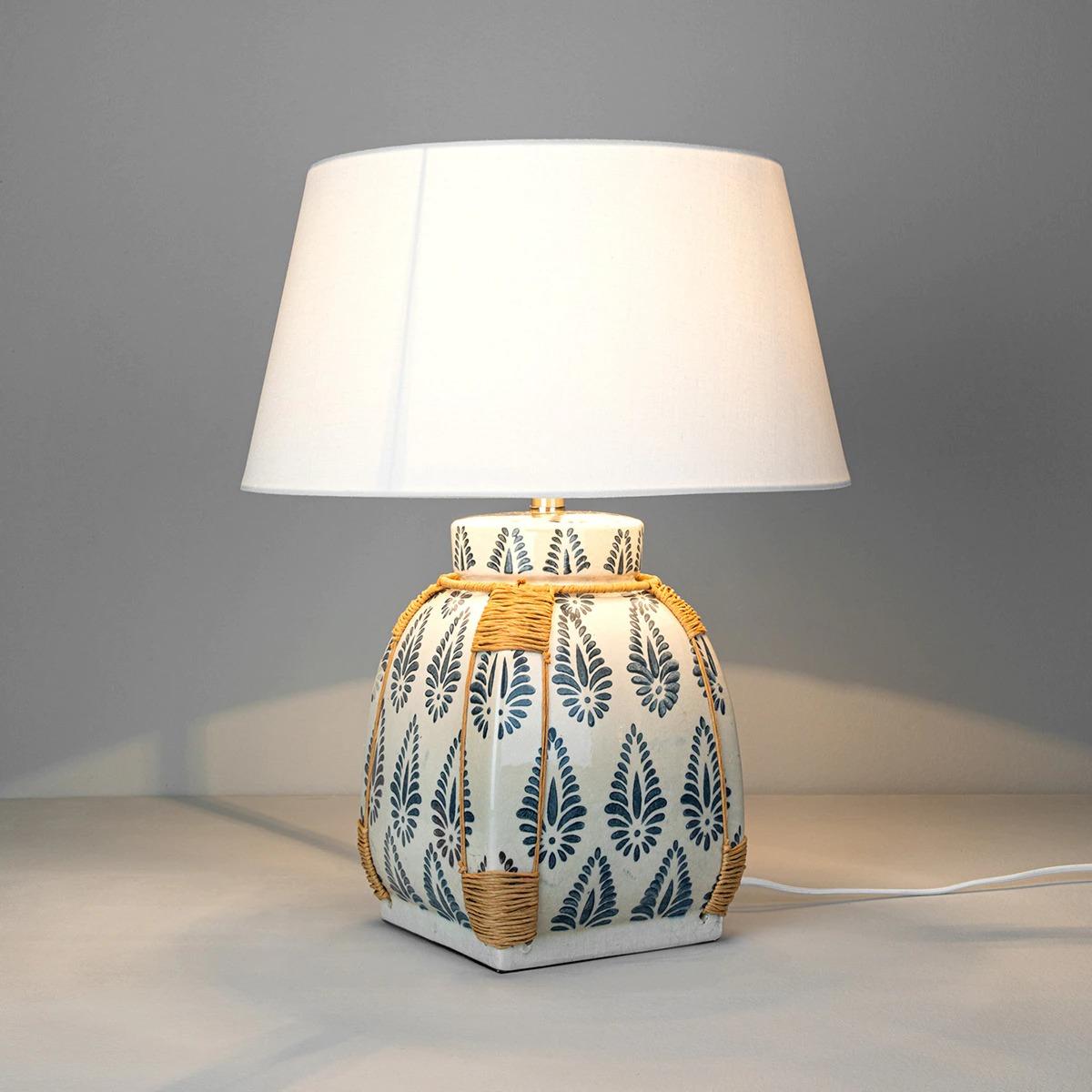 Lámpara estampada con base de cerámica