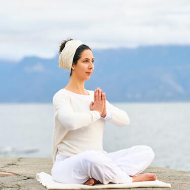 Nueve rutinas de Kundalini Yoga para probar esta modalidad en casa