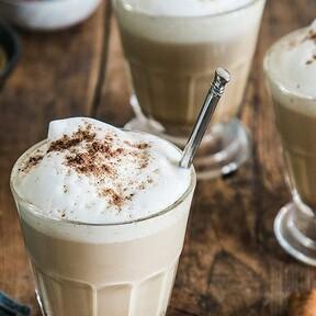 Parece una cafetera vintage pero en realidad es un espumador que cambiará por completo tu café casero (y está rebajado en Amazon)