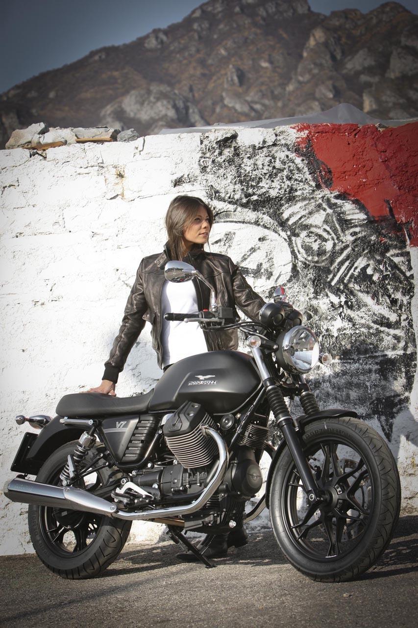 Foto de Moto Guzzi V7 Stone (31/57)