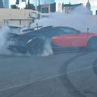 Sólo hay dos Veyron como este en el mundo y estos tipos lo han convertido en una máquina de humo carísima