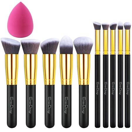 Pack de 10 brochas de maquillaje y una esponja en oferta flash de Amazon por 7,49 euros