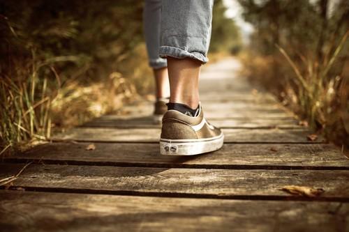 Las mejores ofertas de zapatillas para alegrarnos el Blue Monday: Vans, Asics y Fila más baratas