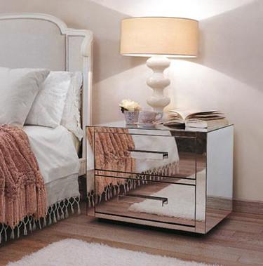 Mobiliario de espejos de Porada