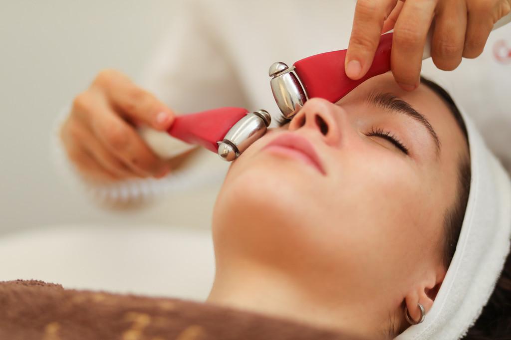Existe un tratamiento facial de Guinot que es una opción real al ácido hialurónico y al botox