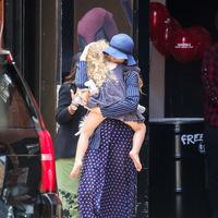 Nos encanta la falda de Blake Lively, pero aún más Ryan Reynolds ejerciendo de padrazo