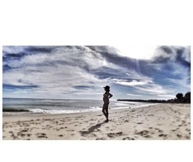 Un embarazo luce más en playas californianas, ¿verdad Raquel del Rosario?
