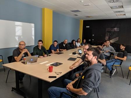El equipo de VirusTotal en las nuevas oficinas en el campus de la UMA. Imagen: Bernardo Quintero