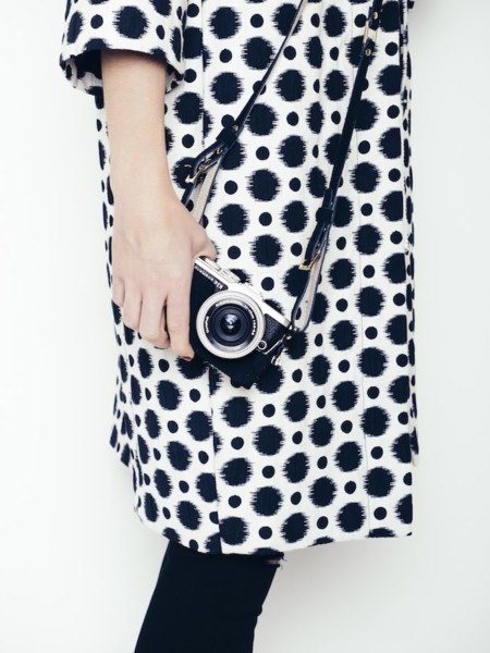 Pen E Pl8 Black Leather Collection Camera Outfit Shoulder Strap Into The Blue Mood 001