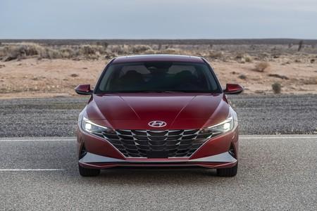 Hyundai Elantra 2020 001