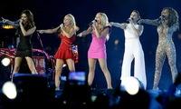 Beckham los empezó y como no, Victoria acompañado de las Spice Girls tenía que cerrar los JJOO