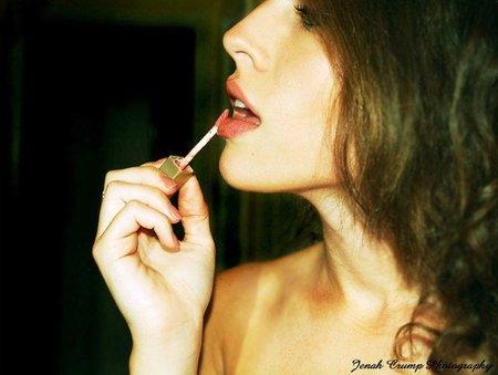 Truco para aprovechar hasta el final tu gloss de labios