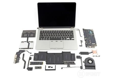 iFixit desmonta el cada vez más difícil MacBook Pro con pantalla retina