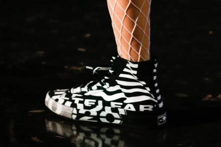 Las zapatillas de Converse x TELFAR (de edición limitada) están de rebajas y aprovechamos para sumarlas a nuestros próximos looks