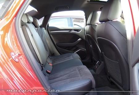Audi A3 sedán plazas posteriores 28