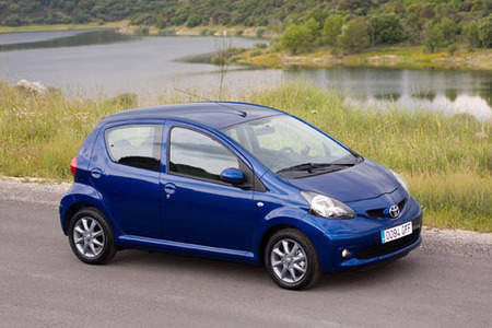 El Toyota Aygo mejora su equipamiento: ¡control de estabilidad y más airbags!
