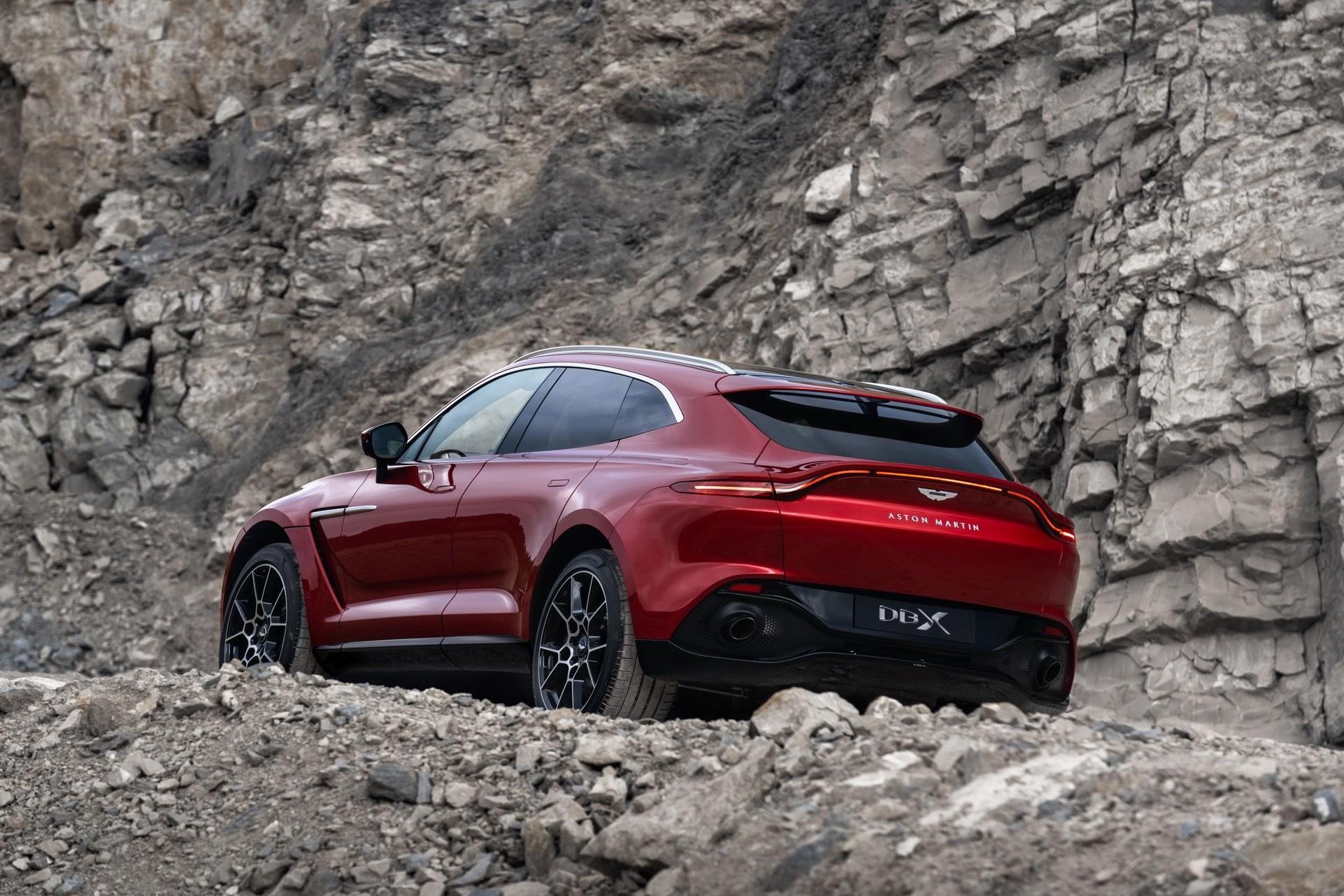 Foto de Aston Martin DBX (8/36)