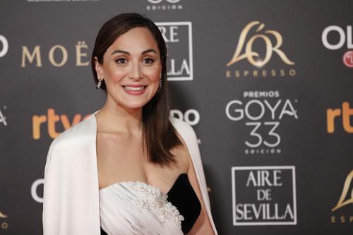 Premios Goya 2019: Tamara Falcó pisa la alfombra roja con un diseño diseñado por ella misma