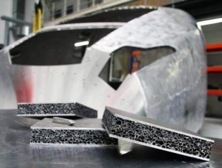 Los trenes serán más ligeros y seguros con este nuevo material: espuma de aluminio