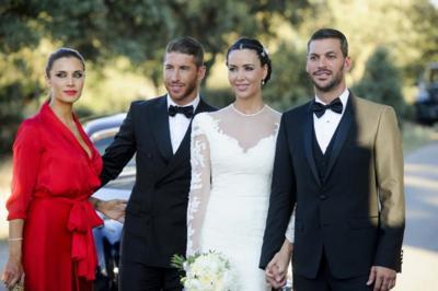 Duelo de estilo en la boda del hermano de Sergio Ramos ¿Pilar Rubio más espectacular que la propia novia (Vania Millán)?