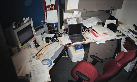 1024px-typicalbusyoffice20050109.jpg