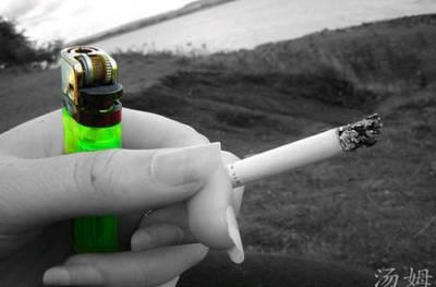 Mi uñas me delatan, fumo mucho