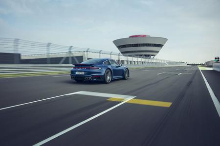 Porsche 911 Turbo 2021 4