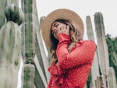 Clonados y pillados: la fiebre por el vestido de lunares de Realisation Par alcanza a Uterqüe