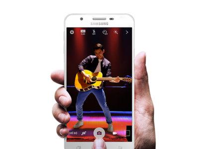 Samsung Galaxy J5 Prime y J7 Prime: mellizos metálicos con lector de huellas a escena
