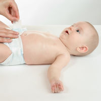 Cambiar el bebé en baños públicos: cinco medidas de higiene esenciales