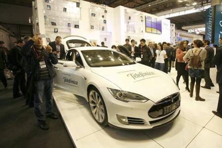 Telefónica dará servicios de conectividad M2M a los coches eléctricos de Tesla en Europa
