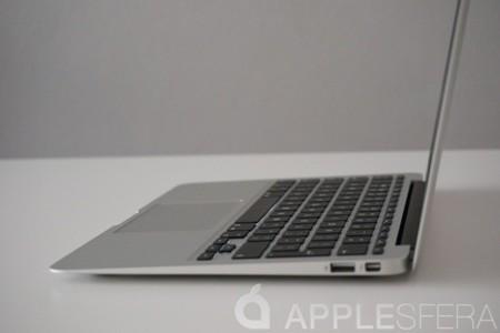 APS MacBook Air lateral