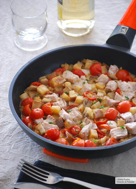 Receta de atún con berenjena y tomatitos, ligera y facilísima