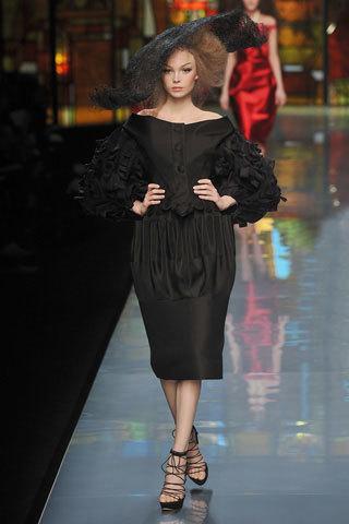 Foto de Christian Dior Alta Costura Primavera-Verano 2009 (1/7)