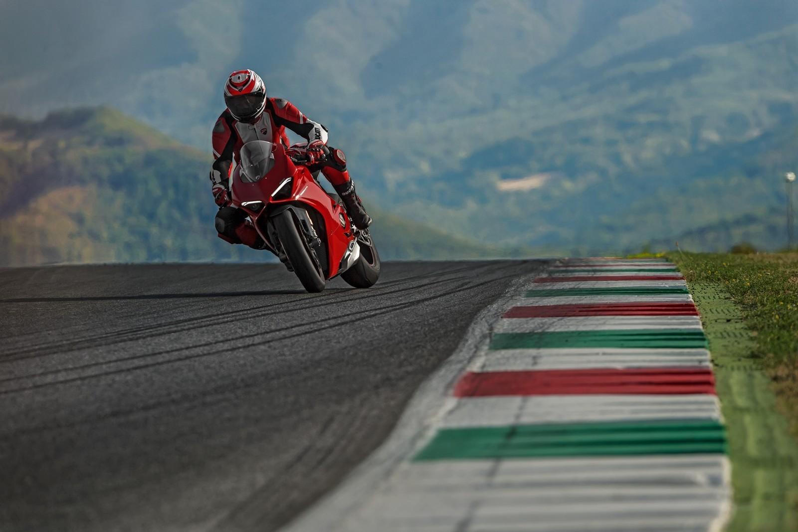 Foto de Ducati Panigale V4 2018 (27/52)