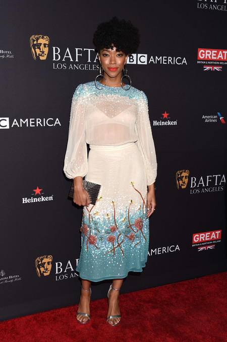tea party bafta alfombra roja Soneque Martin Green