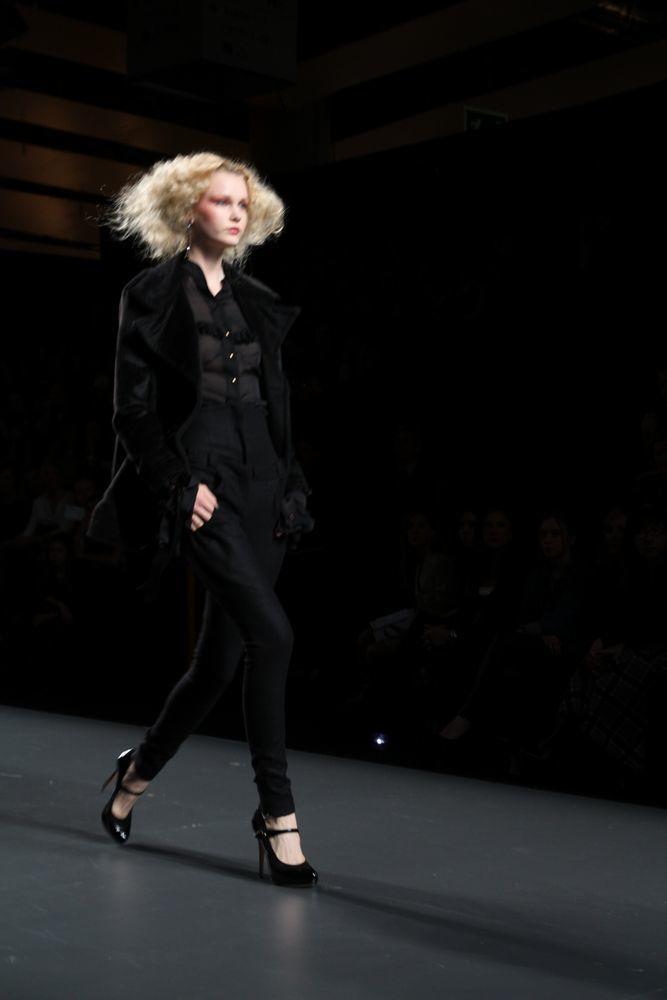 Foto de Alma Aguilar en la Cibeles Madrid Fashion Week Otoño-Invierno 2011/2012 (71/126)