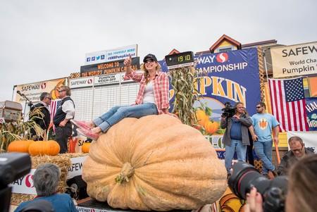 2016 Pumpkin Weigh Off Winner Cindy Tobeck