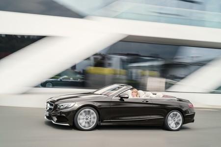 Más tecnología y deportividad a cielo abierto o cerrado en los renovados Clase S Coupé y Cabriolet